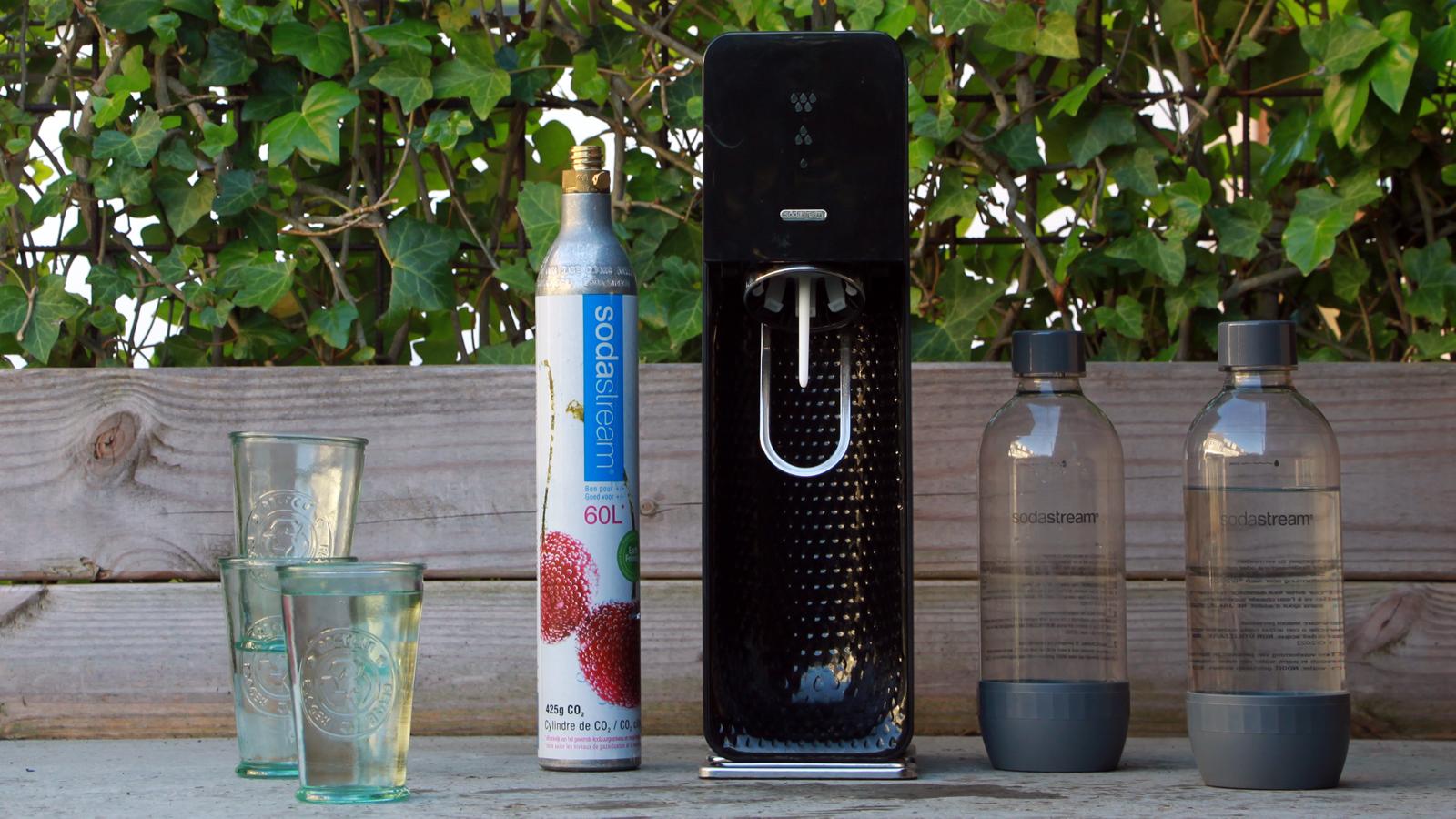 SodaStream, zelf bruisend water maken als alternatief voor flessen bruisend water